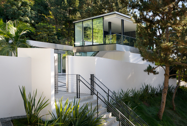 RISING GLEN RESIDENCE<br><small>Sunset Plaza, Los Angeles<br><small>COMPLETED</small></small>