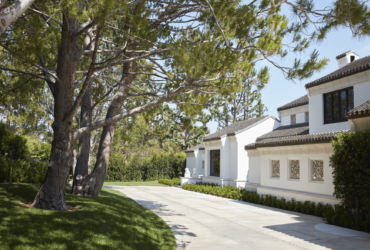 DOHENY ROAD RESIDENCE<br><small>Beverly Hills, CA<br><small>COMPLETED</small></small>