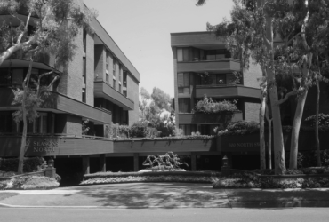 FOUR SEASONS RESIDENCE<br><small>Beverly Hills, CA<br><small>IN PROGRESS</small></small>